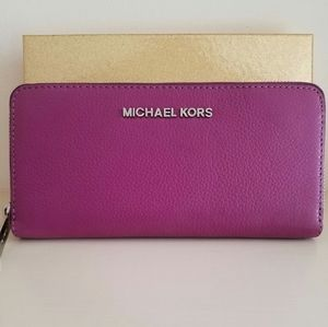 New Michael Kors Pomegranate Leather wallet